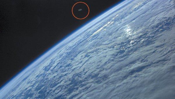 OVNI é filmado próximo da Estação Espacial Internacional