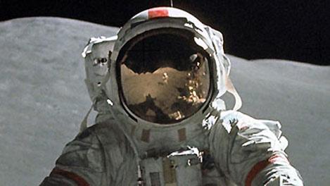 capacetes espaciais