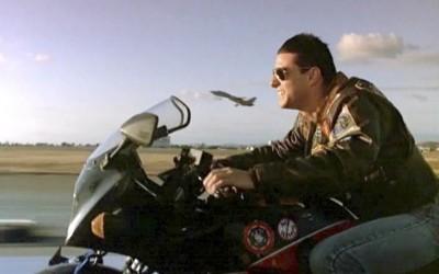 Tom Cruise acredita que a sua função é combater OVNIS