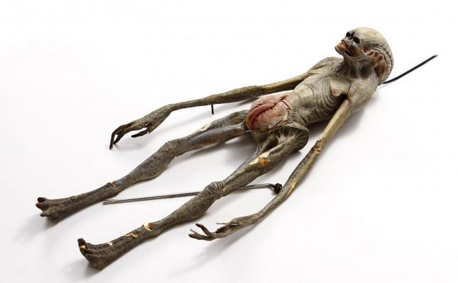 Alienígena encontrado na Rússia é semelhante aquele estudado por Dr. Greer