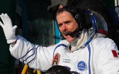Como os astronautas lavam as mãos no espaço
