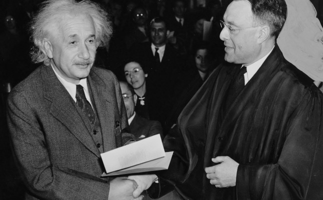 Einstein e os Ovnis